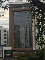 Amplia y moderna Oficina en Torre Nucleo