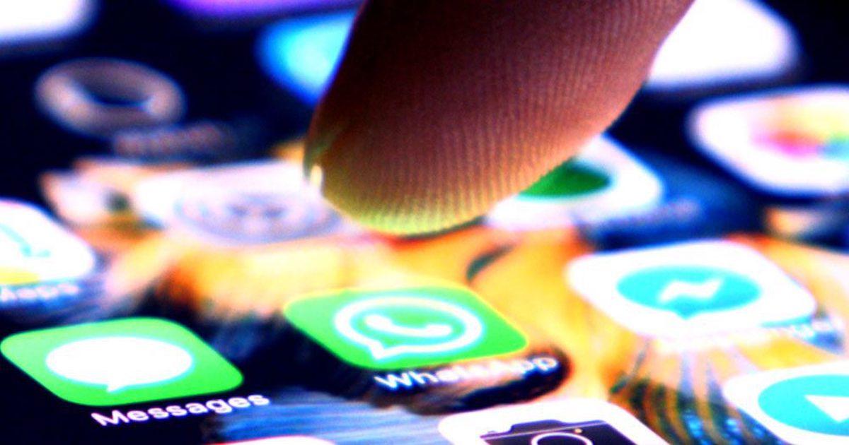 WhatsApp para Empresas fastidia a los usuarios de iPhone: ¡sin emojis en el perfil!